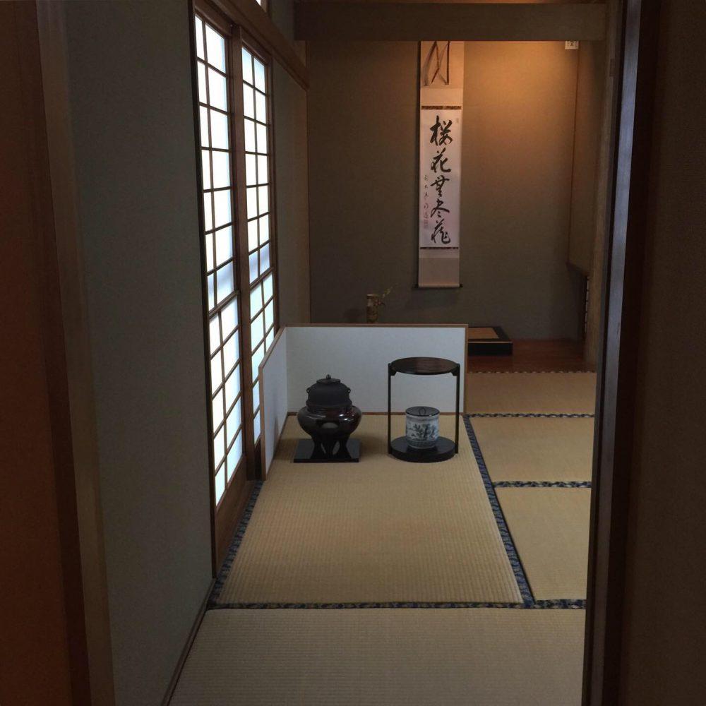 3月の茶道教室を開催しました。